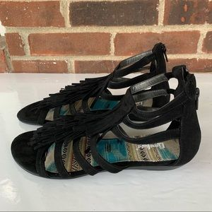 ❤️ limelight Black strappy sandals with tassel